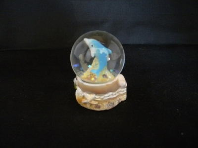 Dolphin Water Globe Magnet - 35mm.