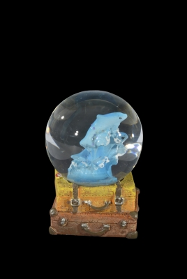 1603 - Dolphin Water Globe on Luggage Base 45 mm.