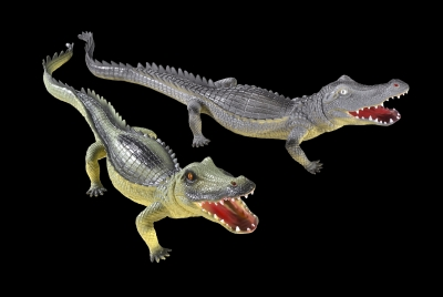 1607 - PVC Alligator 28 inches. Two Assorted Colors