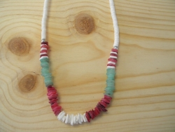 N-8332  - Burgundy, Green Chip & Clam Shell Necklace