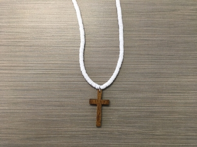 N-8559 - White Clam Shell w/ Wooden Cross Necklace