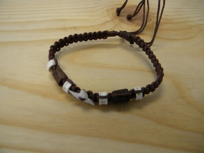 B-8894 - SHark Tooth Cotton Bracelet - Brown
