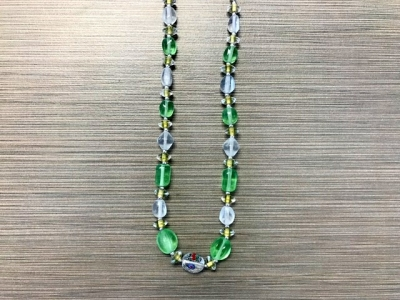N-8238 - Glass Bead Necklace - Green and White
