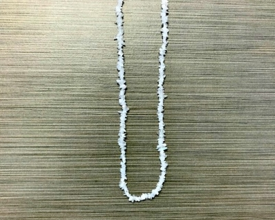 N-8256 - Single Strand Stone Chip Necklace - White Quartz