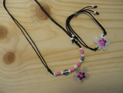 N-8408 - M.O.P. Flower Pendant Necklace & Bracelet Combo (Black & Pink)